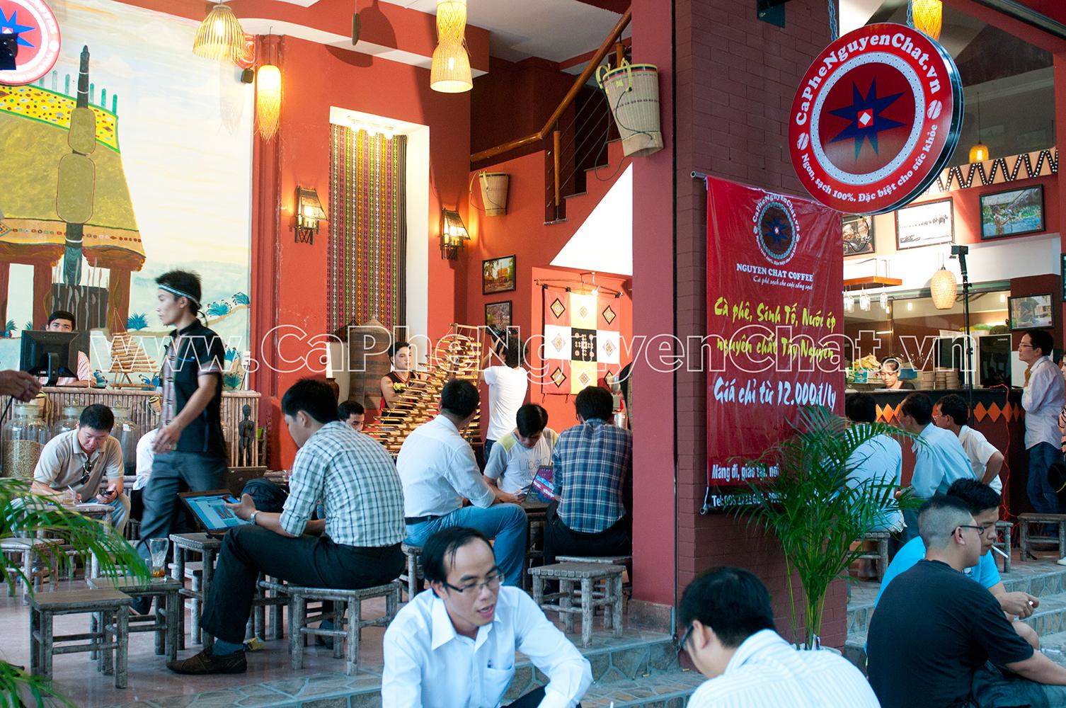 Khong-gian-cafe