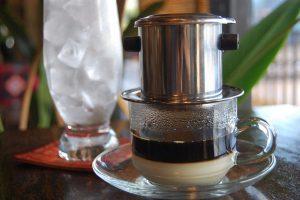Ly cafe ngon Việt Nam - Cafe sữa đá độc đáo