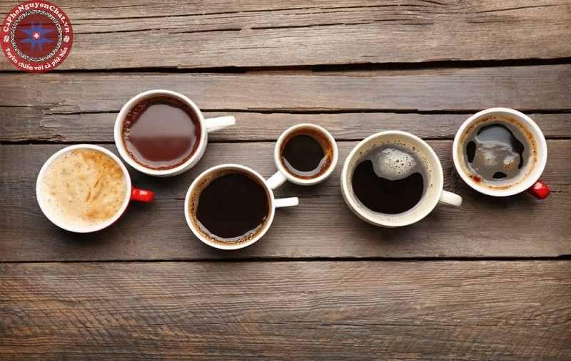 Cà phê rang có nhiều màu khác nhau.