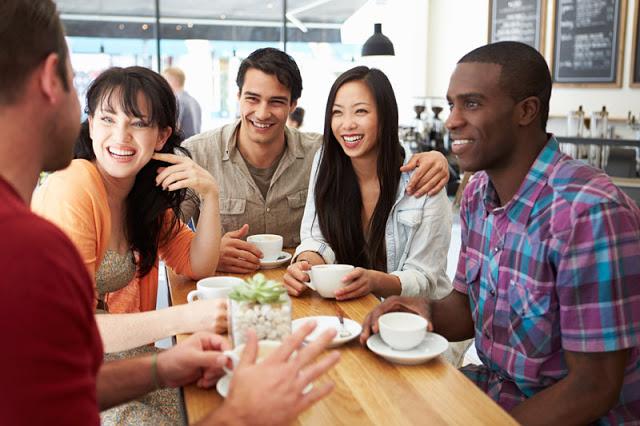 Uống cà phê rang xay mỗi ngày khiến mọi người trở nên thân thiện