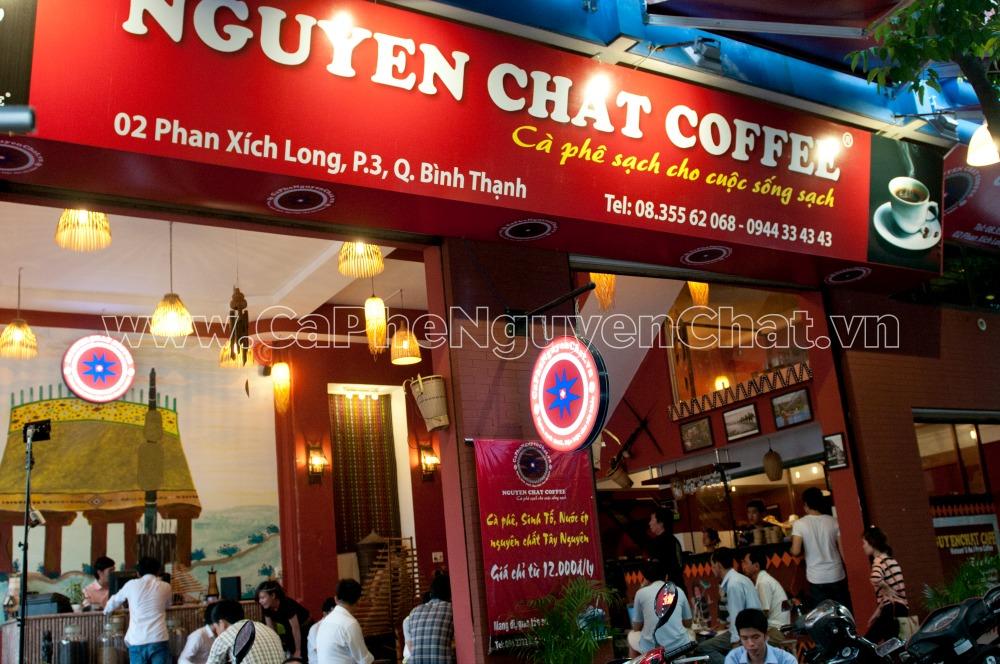 Quán cafe nguyên chất đông khách