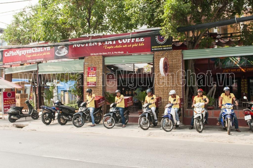 Mở quán cà phê phục vụ ly cafe giao tận nơi
