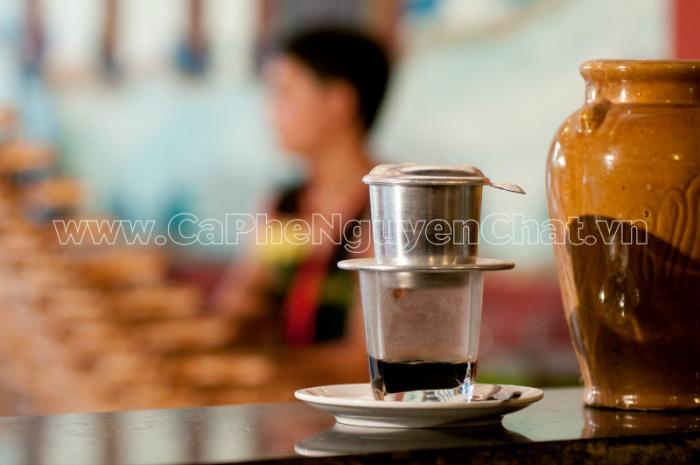 Dùng phin nhôm cho ly cafe ngon đậm đà