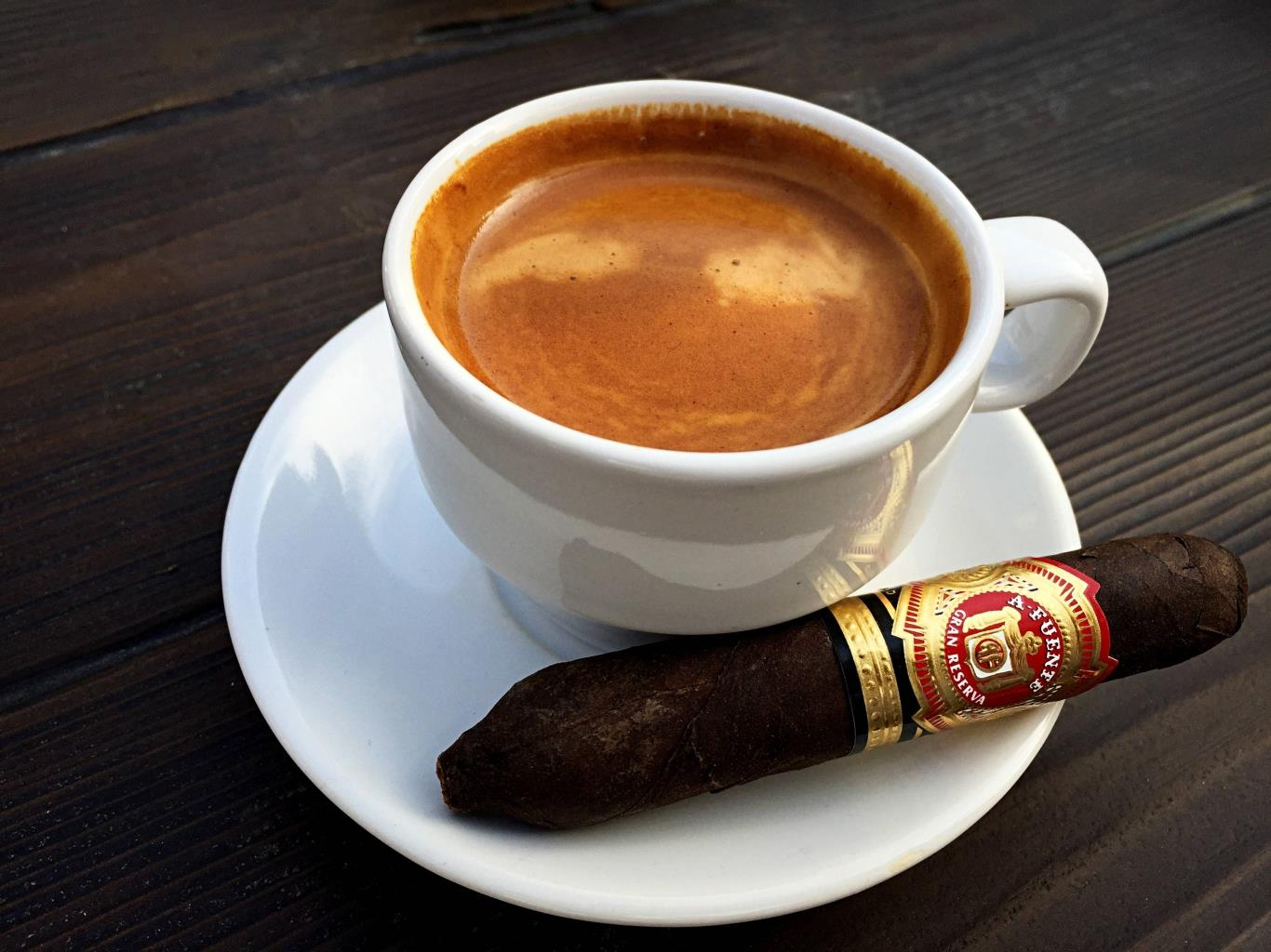 Cà phê sữa đá Việt Nam nằm trong top cà phê ngon nhất thế giới - Cà phê  nguyên chất
