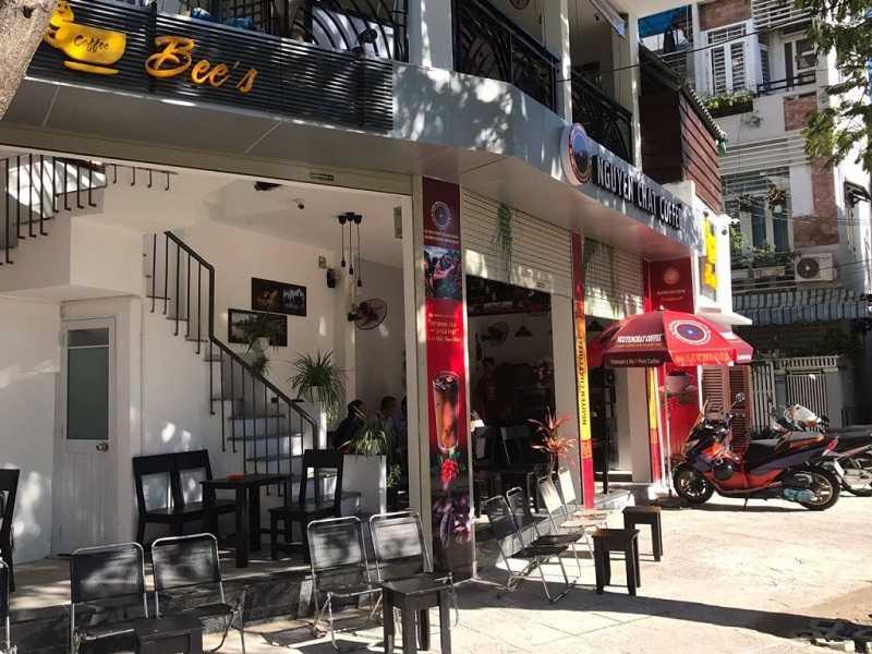một quán cà phê nhượng quyền của Nguyen Chat Coffee
