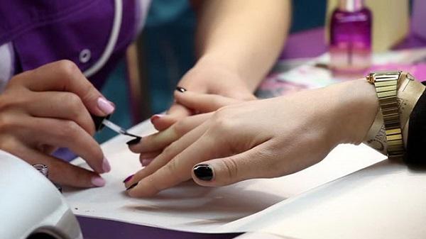 Dịch vụ làm móng (nails)