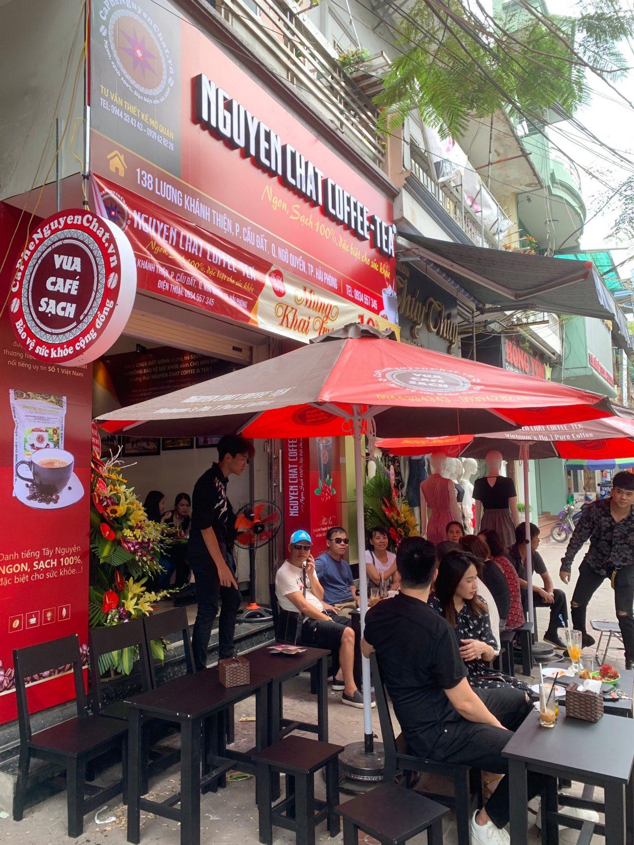 Quán cafe nhượng quyền hút khách