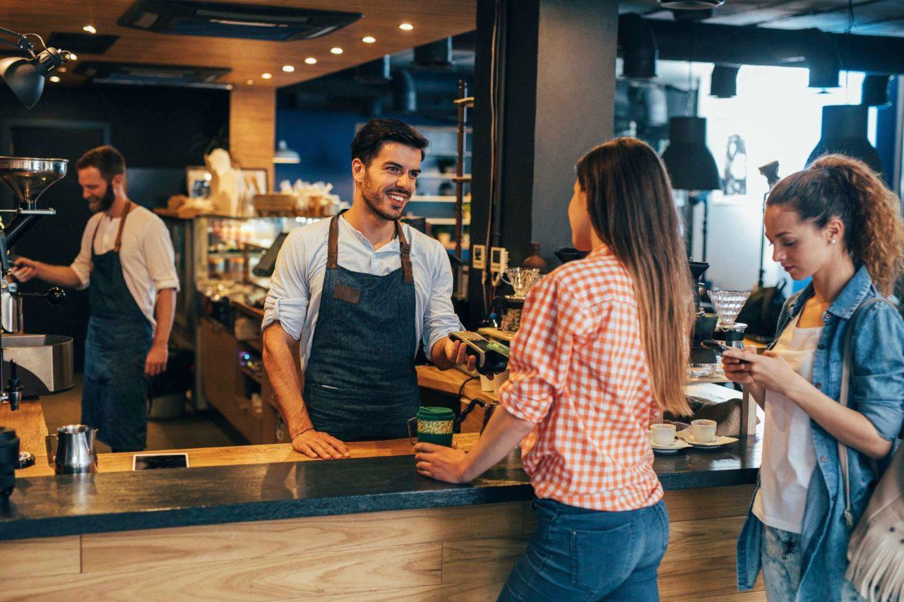 Quản lý chuỗi quán cà phê từ xa là gì? Cách ứng dụng vào chuỗi quán cà phê hiệu quả